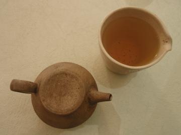台湾茶を西川さんのうつわで_b0132442_1826573.jpg