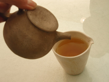 台湾茶を西川さんのうつわで_b0132442_1827192.jpg