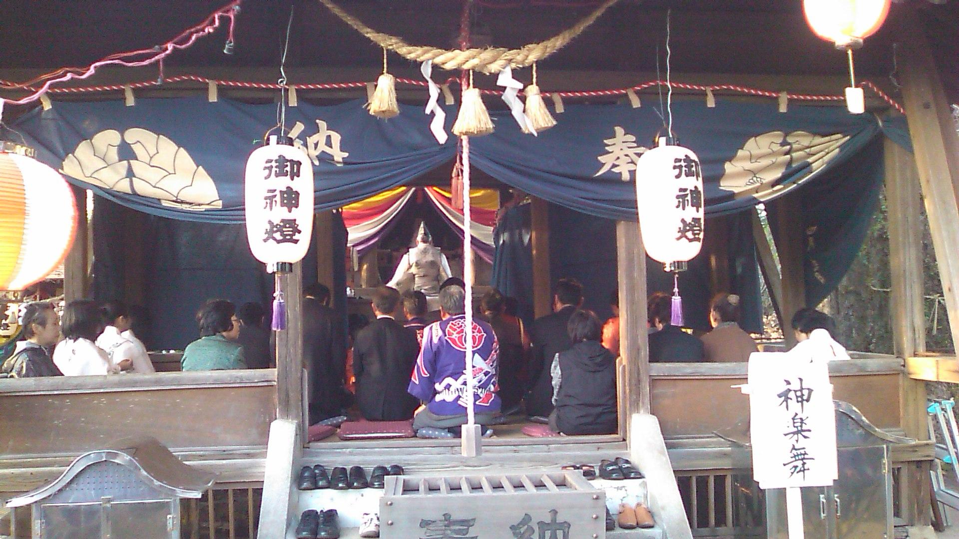 春の例大祭 夜神楽♪_b0115751_23215551.jpg