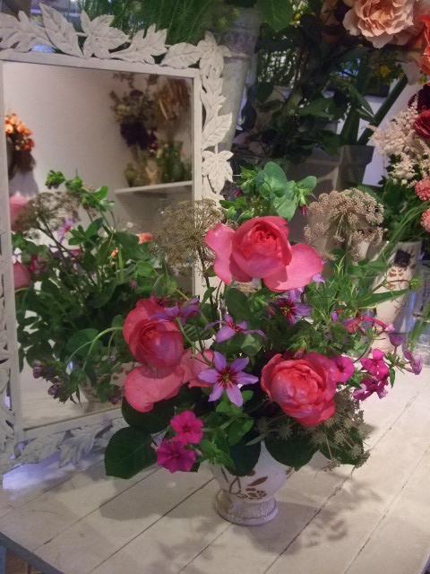 オークリーフ花の教室(富田さんの作品)_f0049672_16435443.jpg