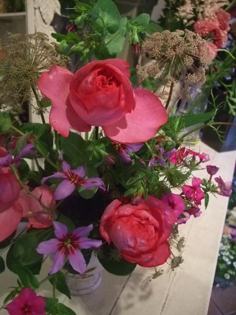オークリーフ花の教室(富田さんの作品)_f0049672_1762163.jpg