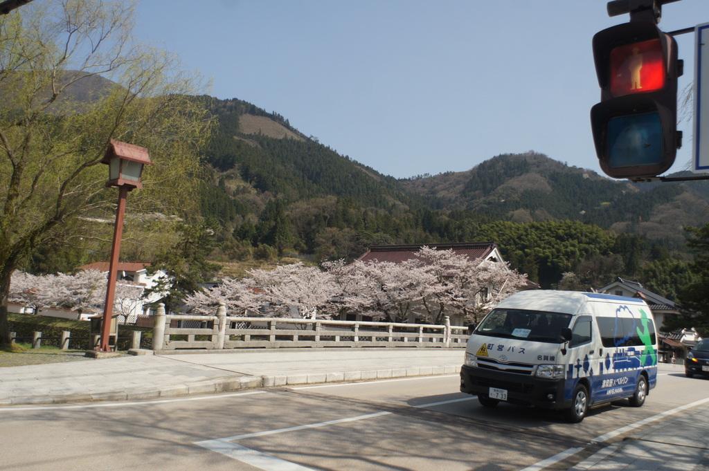 津和野町(唯一の)スクランブル交差点。_c0180686_23101544.jpg