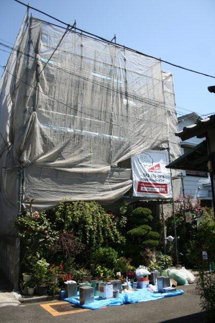 塗装工事が順調に進捗しています(神奈川県川崎市)_e0207151_2055715.jpg