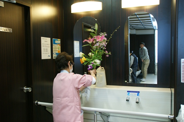 伊丹空港から福岡空港へ・・・全日空便、飛行機は楽しい、空の楽しさ、JAL便①_d0181492_012489.jpg