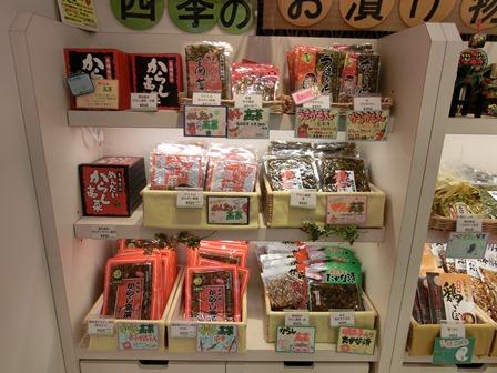 伊丹空港から福岡空港へ・・・全日空便、飛行機は楽しい、空の楽しさ、JAL便①_d0181492_22362463.jpg