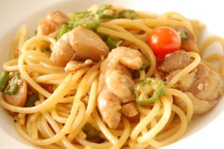 お箸で食べたい♪照り焼きチキンとオクラの和風パスタ_d0104926_4391520.jpg