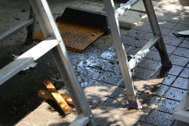 防水・鉄骨補強工事が始まりました(東京都府中市)_e0207151_1934464.jpg
