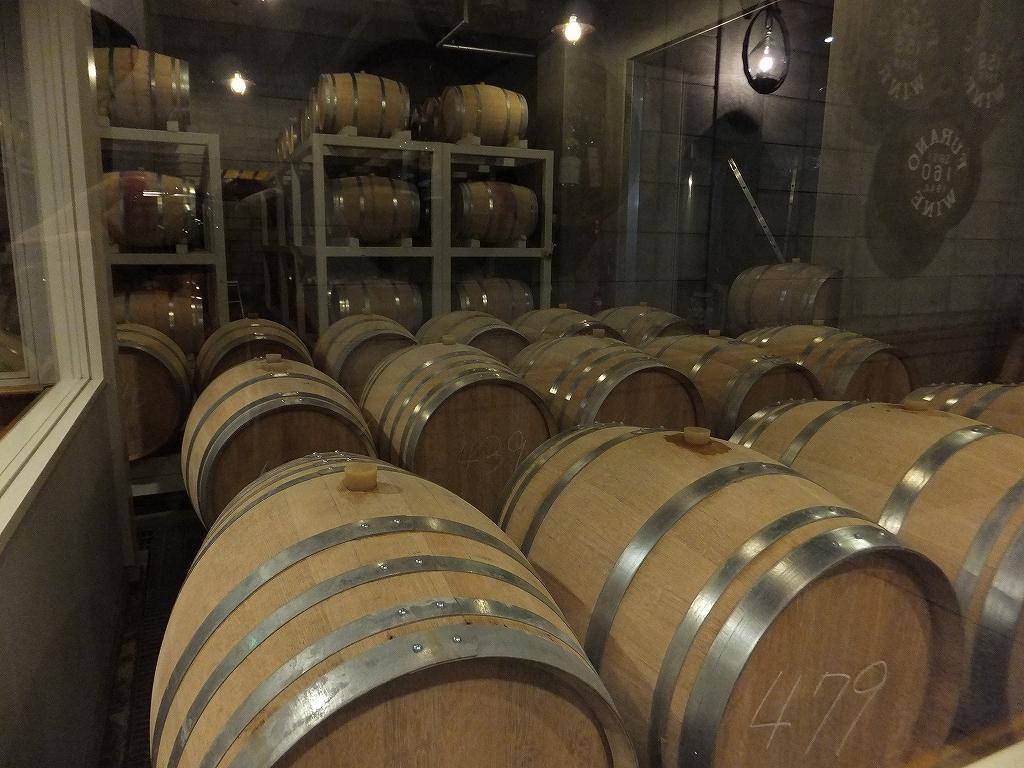 カンパーナ六花亭と富良野ワイン工房_f0138096_1338245.jpg