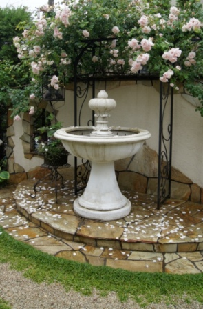 イタリア製噴水セール価格でご紹介!_f0029571_1041097.jpg