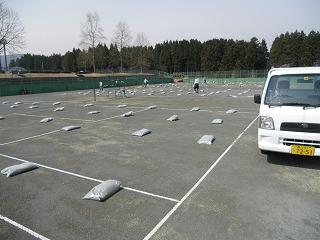 ◎テニスコート整備◎_d0027501_1937409.jpg