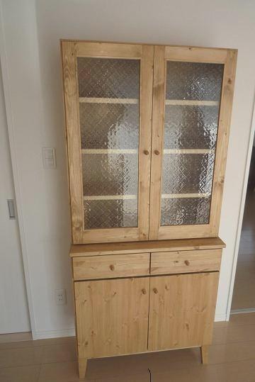 食器棚です_f0121167_0395926.jpg