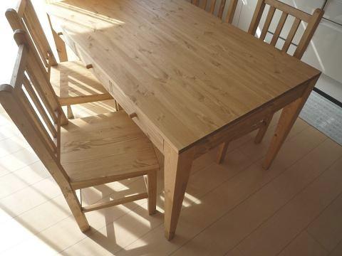 ダイニングテーブルと椅子_f0121167_042517.jpg