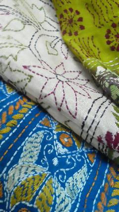 インド・カンタ手刺繍シルクのスカート入荷致しました_d0187468_18505160.jpg