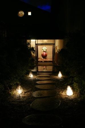 素敵な桜をさがして・・・地獄の桜、王子動物園の桜、青い森鉄道、九州の桜、お城の桜(6/7)_d0181492_2143354.jpg