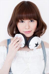 人気声優・相沢舞デジタルシングルで5/9=『号・泣』歌手デビュー決定!!_e0025035_9313610.jpg