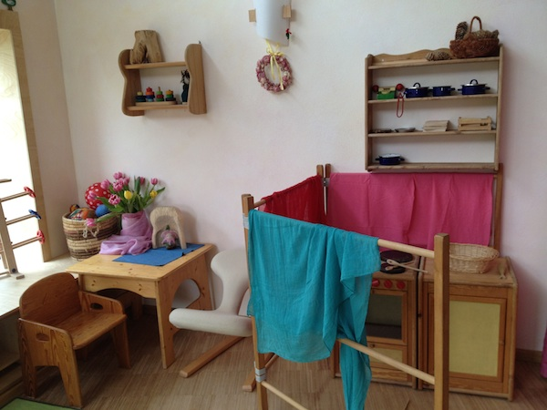 シュタイナー幼稚園を訪れました☆_f0037258_22513377.jpg