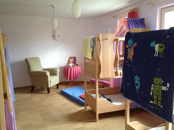 シュタイナー幼稚園を訪れました☆_f0037258_22574530.jpg