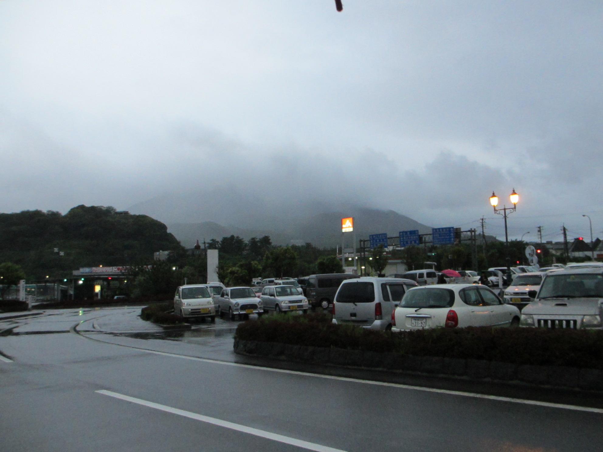 鹿児島帰郷レポート 桜島へ渡る_d0202264_2214285.jpg