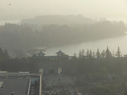 中国出張2010年11月(III)-第五日目-南京-上海高鉄(新幹線)移動_c0153302_1833495.jpg