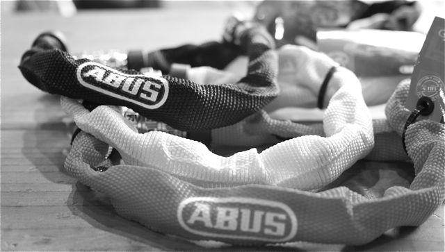 ABUS Chain Lock_b0212032_2149790.jpg