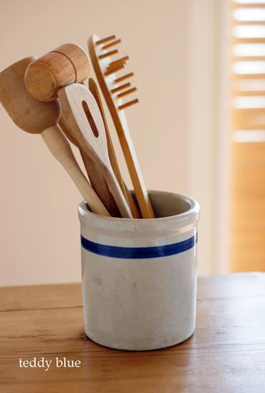kitchen utensil crock  キッチンツールポット_e0253364_017098.jpg