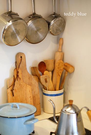 kitchen utensil crock  キッチンツールポット_e0253364_017253.jpg