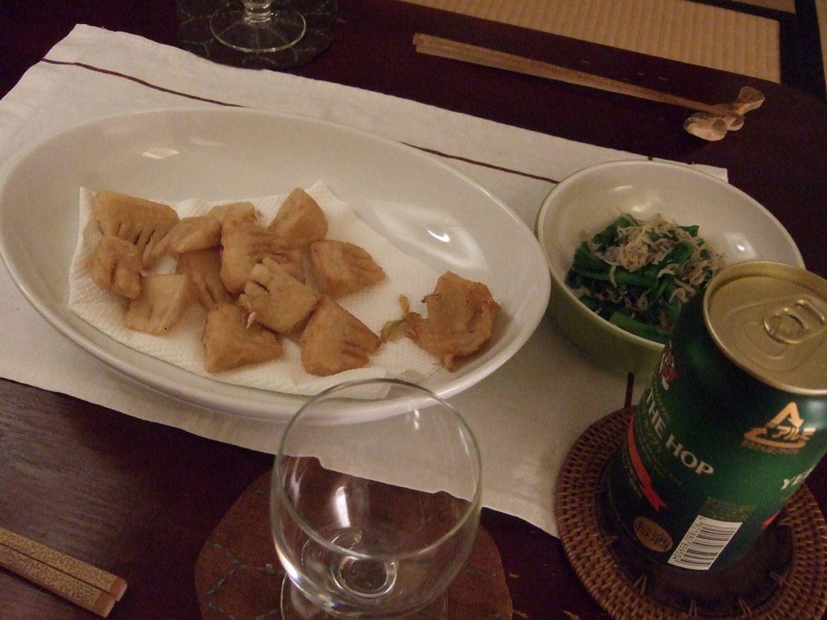 お昼は花見。夜はお寿司の食材でビール。_a0095931_2342498.jpg
