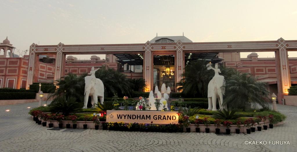インド旅行記 30  ウィンダム・グランド アグラ_a0092659_16103722.jpg
