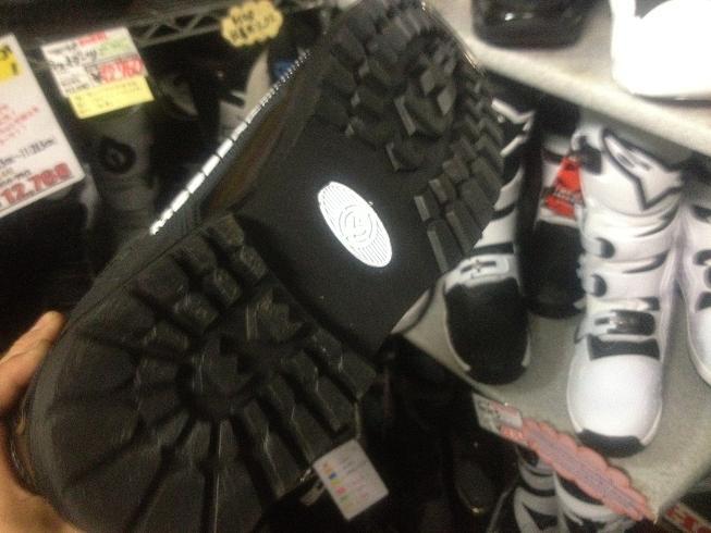 JTスニーカーが遂に登場! あとあのブーツも…_f0062361_201522.jpg