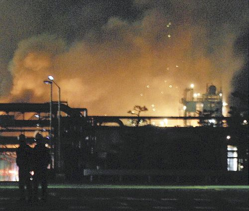 「また核が落ちたの?」:山口県岩国市の三井化学工場の爆発現場_e0171614_20331846.jpg