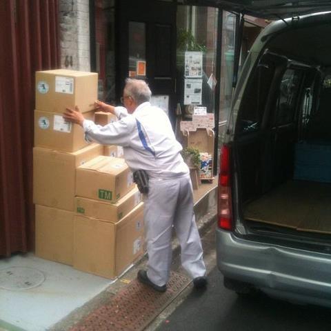 【ハテナバコ被災地支援PJ】 4/19 福島県相馬市に生活雑貨(新品)を送りました。_b0076951_947197.jpg