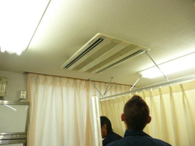 病院のエアコン入替2日目(東京都町田市)_e0207151_18525781.jpg