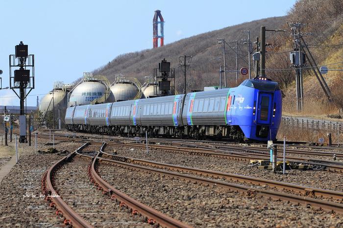 水芭蕉と普通列車あんど小焼けのDD51タンクより~_a0039860_19371436.jpg