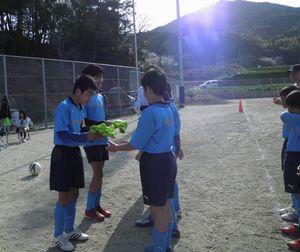 親子サッカー教室 6年生を送る会_c0218303_2317147.jpg
