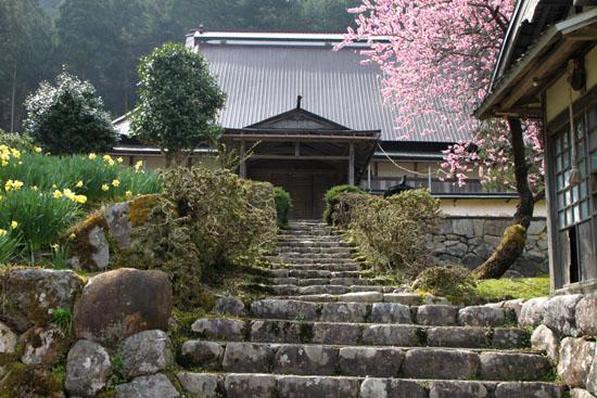 黒田の常燈寺_e0048413_1643537.jpg