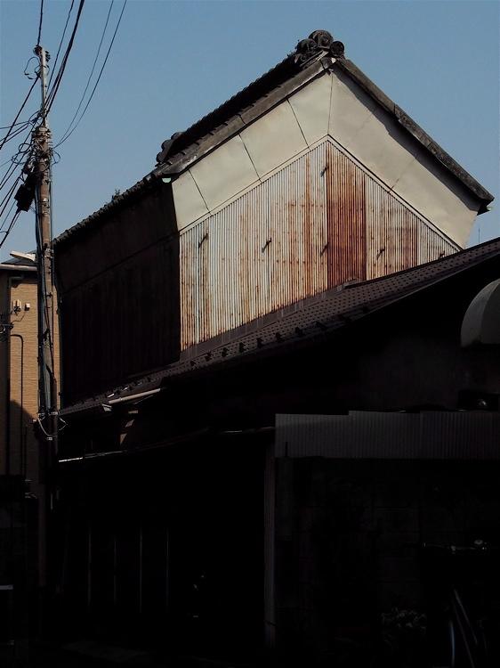 とんがり屋根_c0156717_8221397.jpg