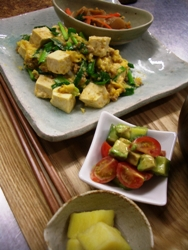 4/26晩ごはん:豆腐と挽肉のニラ炒め_a0116684_20274383.jpg
