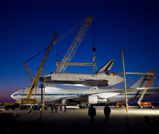 もうすぐニューヨーク上空をスペース・シャトルが飛び回ります_b0007805_21555991.jpg