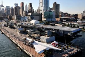 もうすぐニューヨーク上空をスペース・シャトルが飛び回ります_b0007805_21561739.jpg