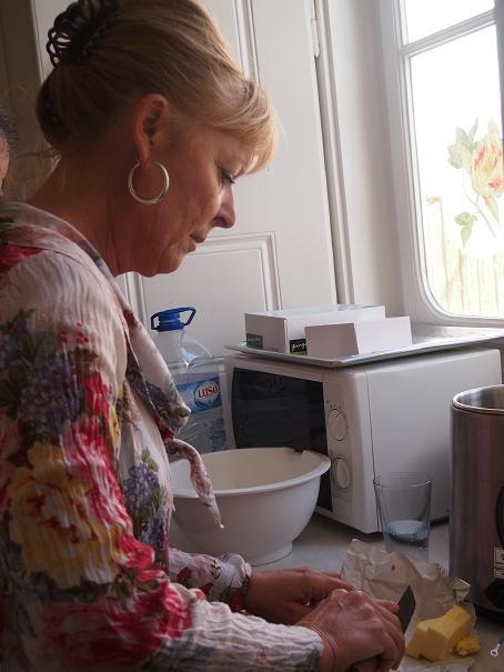 フランスのお袋の味、Tarte Tatin (タルタ・タタン) _f0152733_2111215.jpg