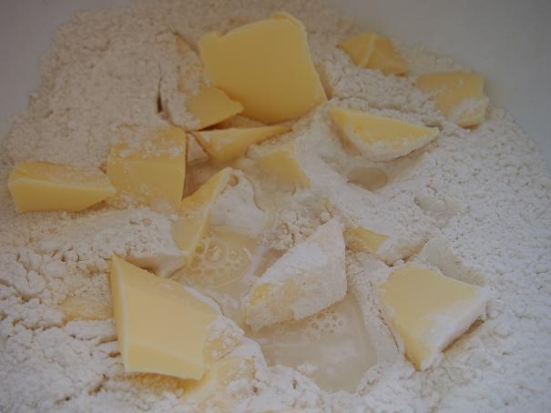 フランスのお袋の味、Tarte Tatin (タルタ・タタン) _f0152733_21113021.jpg