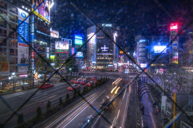 渋谷の撮影名所はなぜ網入りガラスなのか?_c0214542_0574610.jpg