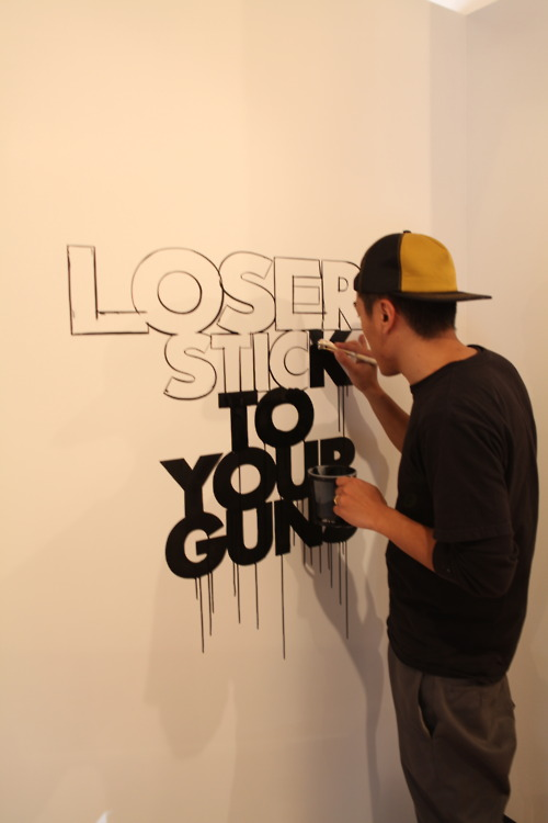 LOSERS STICK TO YOUR GUNS....._d0101000_1382795.jpg