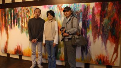 『蔵織の花が咲いたよ』・カメラマンの相田諒二さんがやってきた_d0178448_1102859.jpg