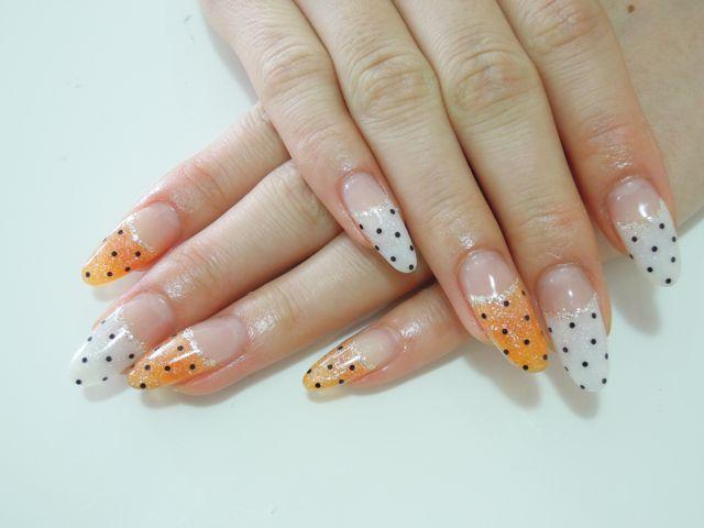 Dots Nail_a0239065_1820773.jpg