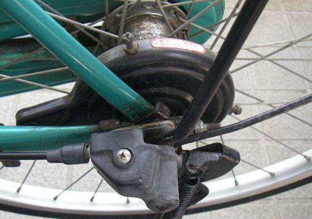 自転車 後 輪 ブレーキ 調整