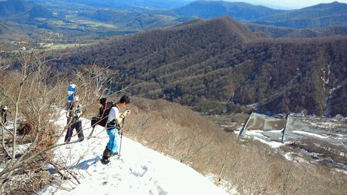 春山登山からのスノボ_e0173183_9554510.jpg