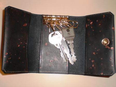 オーダーのお財布ができあがってきました!_b0080287_2073273.jpg