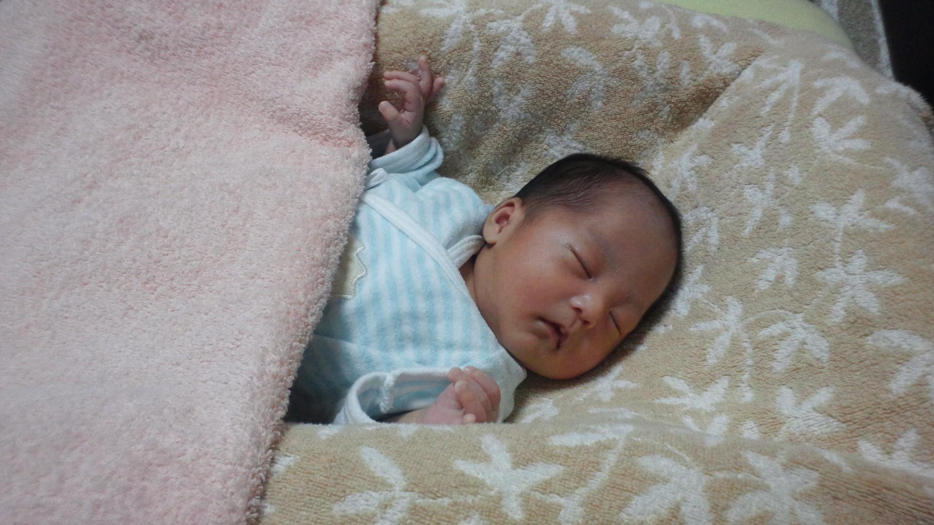 乳児健診(生後1ヵ月1日目)_a0267942_2321150.jpg