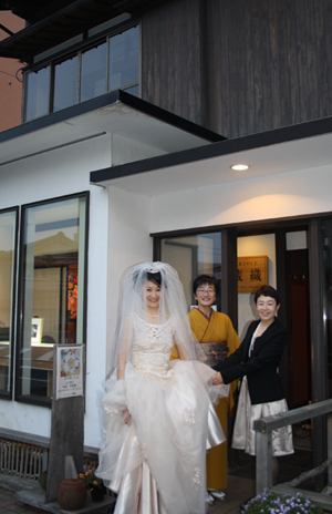 蔵織で結婚式がありました・・・_d0178448_18593064.jpg